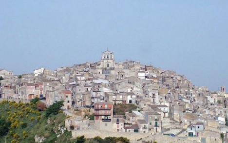 İtaliyada 1 avroya ev almaq mümkündür - 400 ev sahibini gözləyir